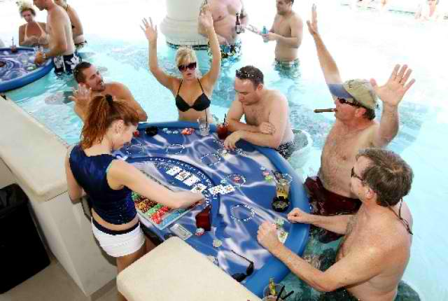 How to start playing the pool blackjack online casino news for Caesars swimming pool